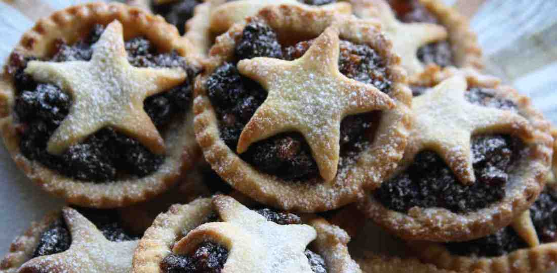 Mince Pies | Baking at Christmas | Christmas Special